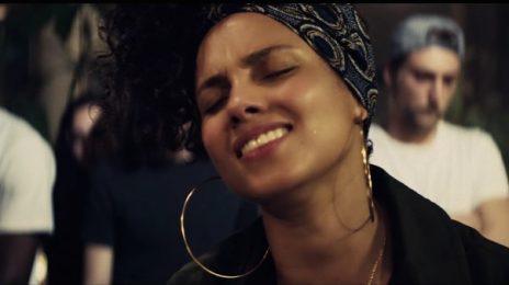 Watch: Alicia Keys' Paris Mini-Concert