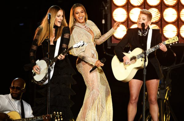 beyonce-dixie-chicks-perform-cma-2016-billboard-thatgrapejuice