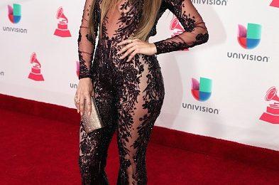 Hot Shots: Jennifer Lopez Dazzles At Latin Grammys 2016