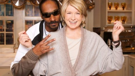 Report:  VH1 Renews 'Martha & Snoop's Potluck Dinner Party' For Season 2