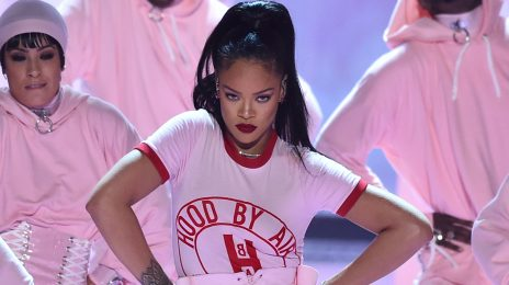 Epic! Rihanna Becomes Most-Streamed Female Artist of the Summer