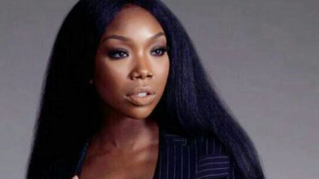 Brandy Rushed To Hospital After Collapsing On Delta Flight