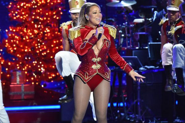 mariah carey has announced an early christmas gift for her uk fans
