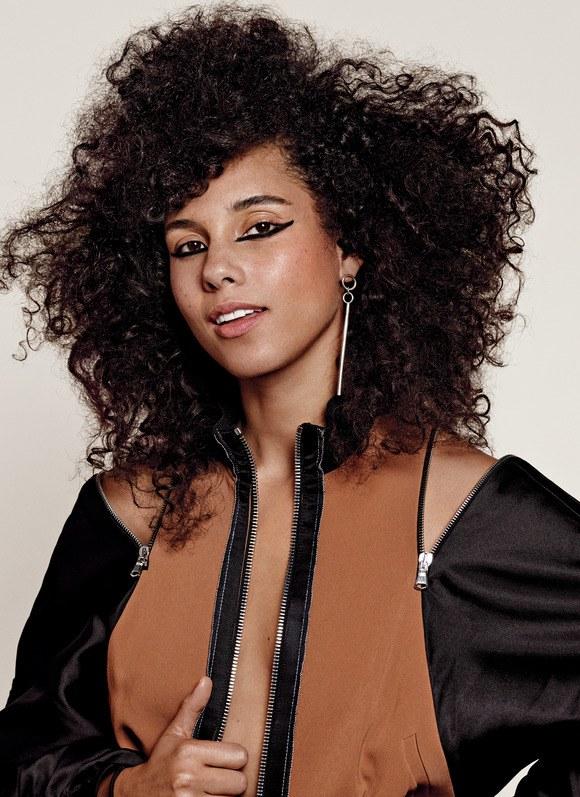 Hot Shots: Alicia Keys Ditches 'Makeup Free Movement' For 'Allure