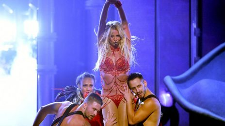 Britney Spears Extends 'Piece Of Me Tour' / Adds Pitbull As Support Act
