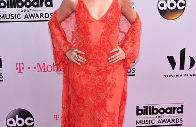 Billboard Music Awards 2017: Red Carpet Arrivals [#BBMAs]