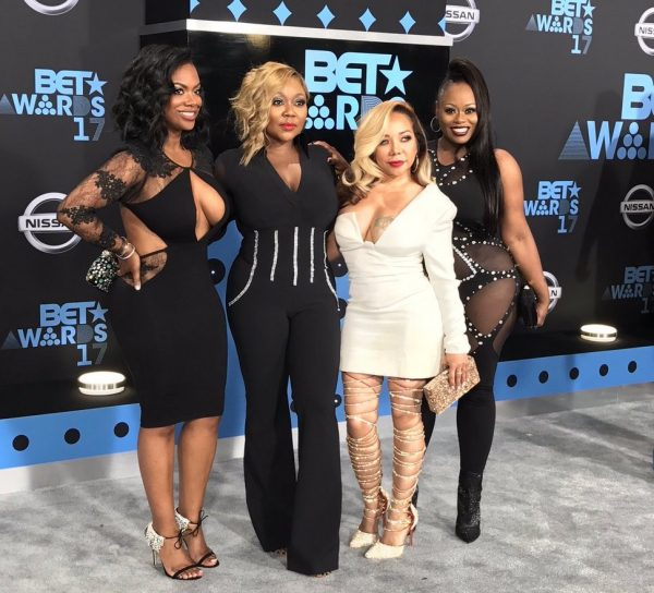 Who hosted the 2017 bet awards