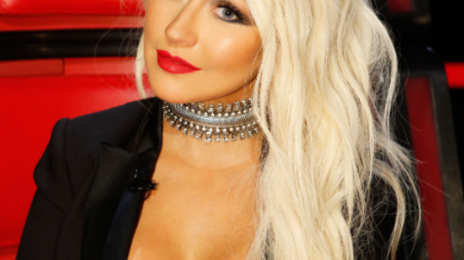 "Christina Aguilera Fans Battle Pink Fans Over VMA ""Snub"""