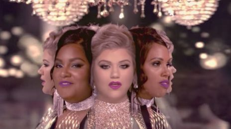 New Video: Kelly Clarkson - 'Love So Soft'
