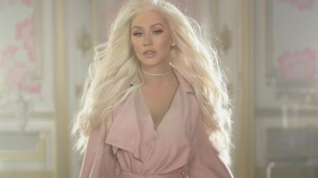 Christina Aguilera To Perform At American Music Awards 2017