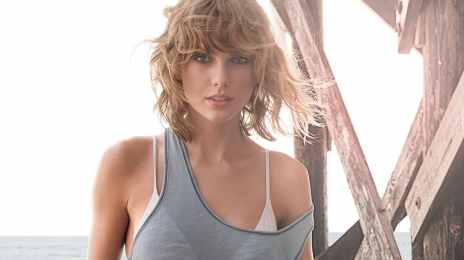 Taylor Swift Signs Game-Changing Global Record Deal With Universal Music