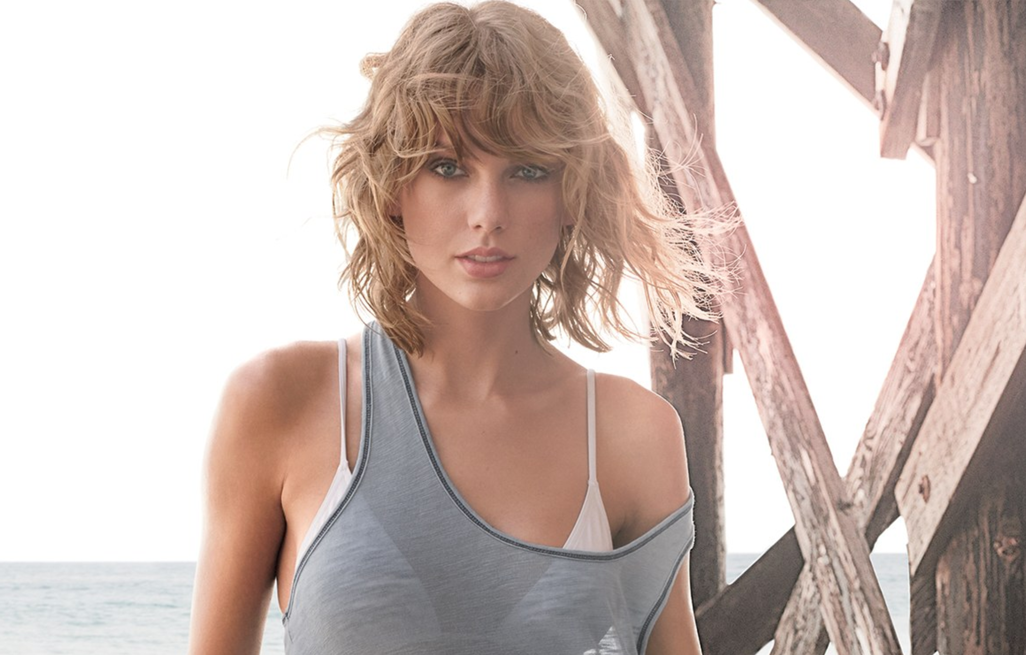 Taylor Swift Eyes New Recording Contract That Grape Juice