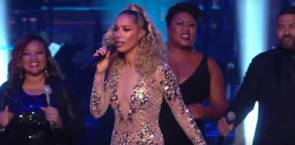Watch leona lewis salutes lionel richie with hits medley at legend lionel richie was one of this years recipients of the kennedy center honors and was saluted in a special that aired last night on cbs m4hsunfo