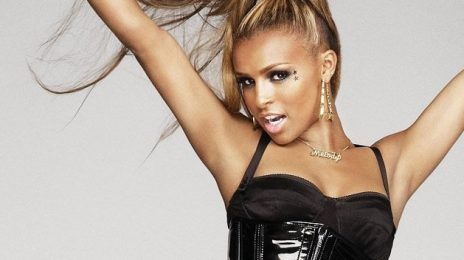"Melody Thornton Thinks Pussycat Dolls Reunion Will Happen...But Wants More ""Teamwork"" Vocally"