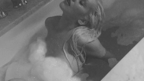 Christina Aguilera Channels 'Stripped' In Racy Instagram Shoot [As Fans Await Word On Album]