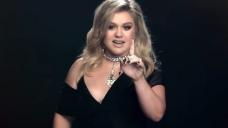 New Video: Kelly Clarkson - 'I Don't Think About You'