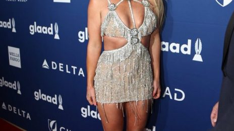 Britney Spears Receives GLAAD Vanguard Award / Gives Impassioned Speech [Video]