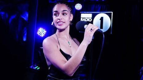 Jorja Smith Covers Cardi B & Rihanna Jams At BBC 1Xtra Live Lounge