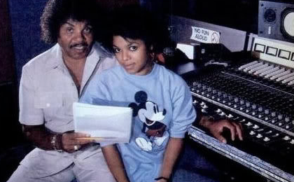 Janet Jackson Tributes Joe Jackson At 'Essence Festival'