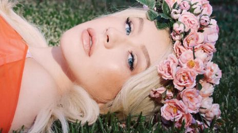 Christina Aguilera Wows With New Song 'Wonderland' At 'The Liberation Tour'