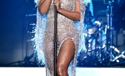 Beyonce Soars At 'City Of Hope' Gala [Video]
