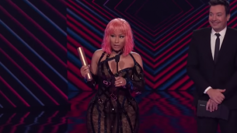 Watch: Nicki Minaj Wins Two 'E! Peoples Choice Awards'