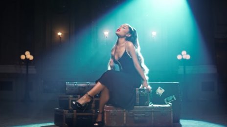 Ariana Grande Scores 1st US Chart-Topper As 'Thank U, Next' Debuts At #1