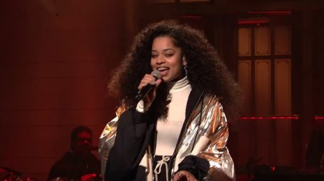 Ella Mai Belts 'Boo'd Up' & 'Trip' On SNL [Video]
