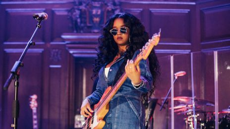 H.E.R Storms London With Stunning Apple Music #UpNext Concert
