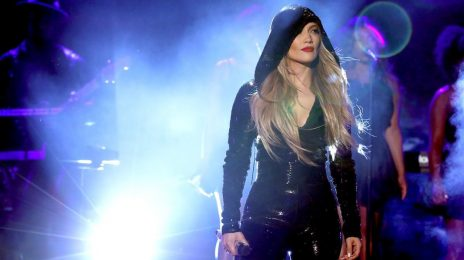Jennifer Lopez Performs 'Limitless' On 'Ellen' / Talks A-Rod Engagement & More