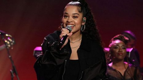 Ella Mai Performs 'Boo'd Up' & 'Shot Clock' Medley On Ellen [Video]