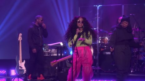 H.E.R Electrifies 'Ellen' Following Triumphant Grammy Wins [Performance]