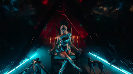 New Video:  Nicki Minaj - 'Hard White'
