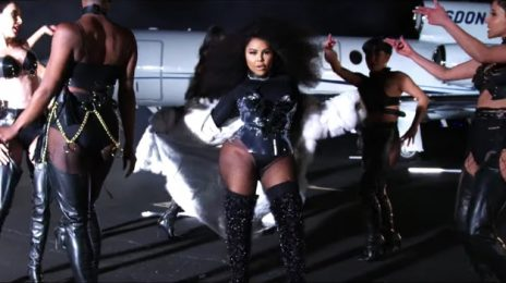 New Video: Lil Kim - 'Go Awff'