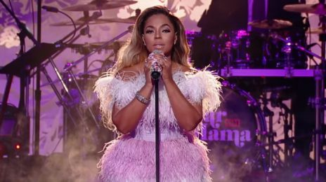 Watch: Ashanti, Monica, H.E.R, SWV, Luke James, & More Perform At VH1's 'Dear Mama'