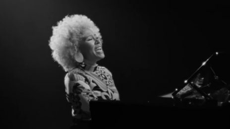 New Video: Emeli Sande - 'You Are Not Alone'