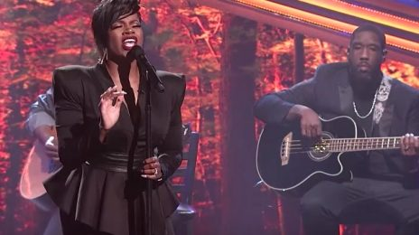 Fantasia Debuts New Song 'Looking For You' Live On BET [Performance]