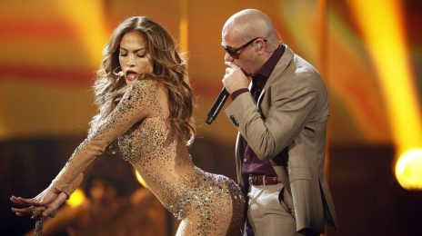 Report: Pitbull In Talks To Perform With Jennifer Lopez At Super Bowl Halftime Show
