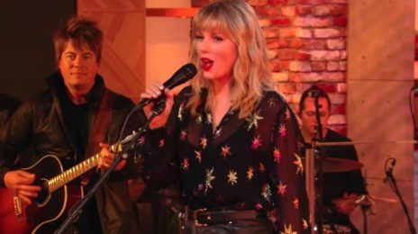 Taylor Swift Blazes BBC Radio 1 Live Lounge [Performances]