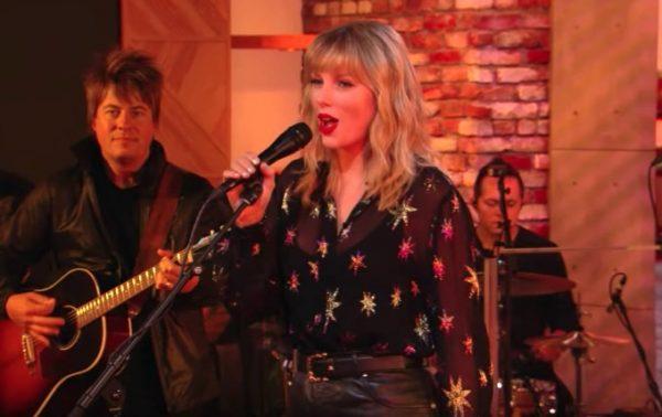 Taylor Swift Blazes BBC Radio 1 Live Lounge [Performances