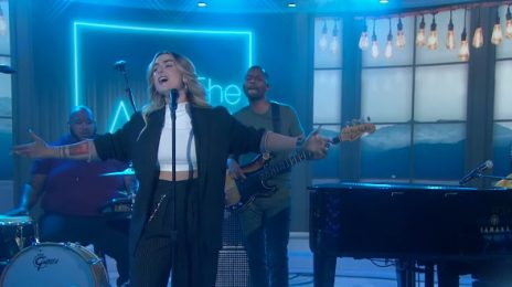 JoJo & PJ Morton Soar With 'Say So' On The Today Show [Performance]