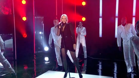 Kylie Minogue Performs 'Slow' On 'Graham Norton'