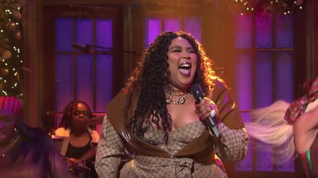 Lizzo Lights Up 'Saturday Night Live' With 'Truth Hurts' & 'Good As Hell' [Performances]