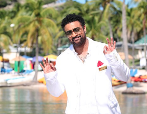 Shaggy Steps Away From Rihanna Album