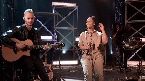 Alicia Keys Rocks Graham Norton With 'Underdog' [Performance]