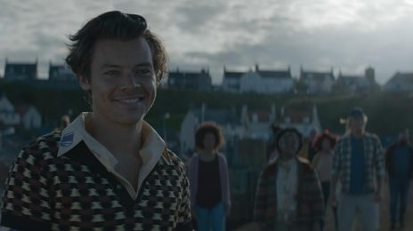 Hot 100:  Harry Styles Earns His Second Solo Top 10 Hit with 'Adore You'