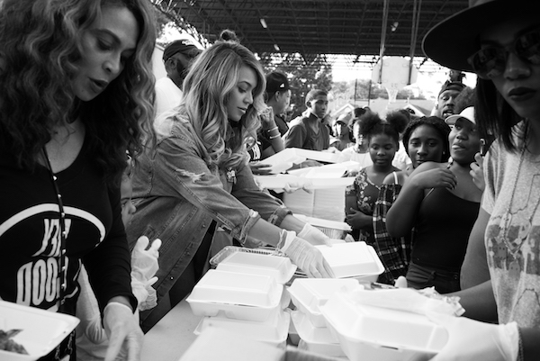 Beyonce & Mom Tina Knowles Lawson Team Up For Covid-19 Testing ...