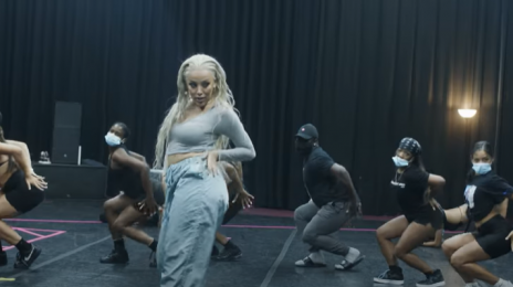 Behind the Scenes:  Doja Cat's 2020 MTV #VMAs Performance [Video]