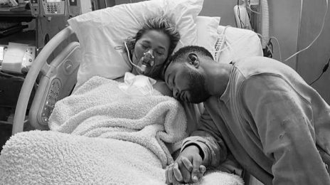Chrissy Teigen & John Legend Share Devastating Miscarriage News