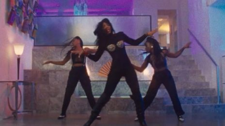 Kelly Rowland Dances Up A Storm As 80s Diva Sandra In 'I Get It' Music Video ['Bad Hair' Movie Soundtrack]